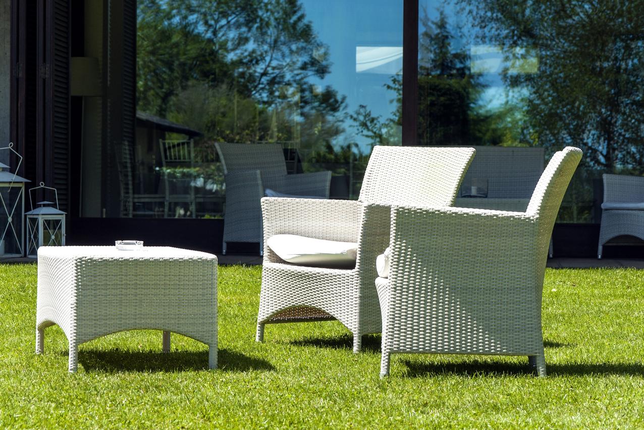 Ad aosta arredamento e accessori per il tuo giardino e gli for Mobili da arredo